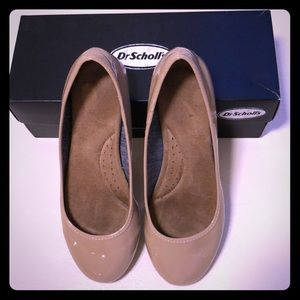 Dr. Scholl's Nude Flats Size 8